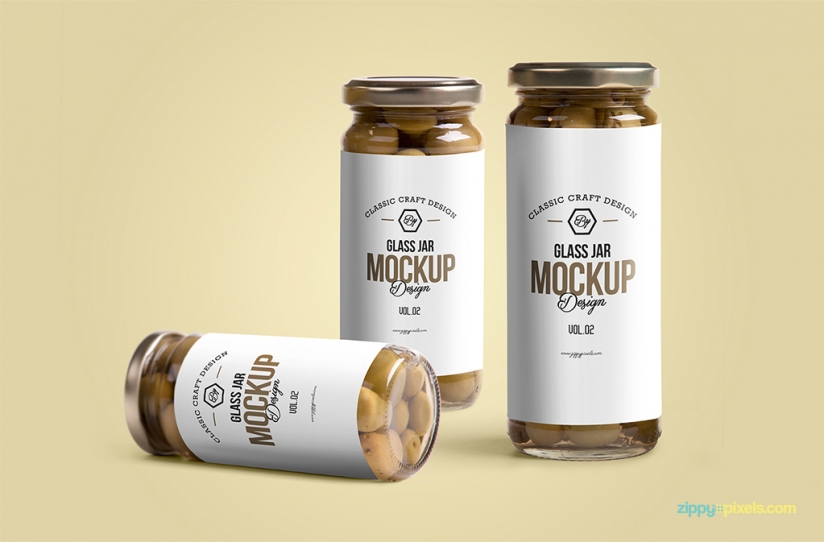 04-free-glass-jar-PSD-mockup-824x542